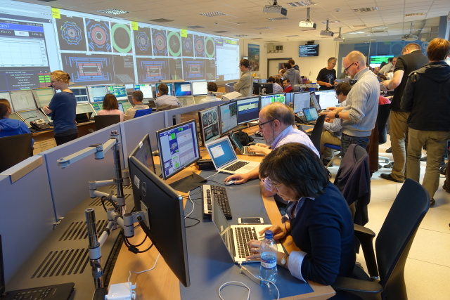 ATLAS,13 TeV,restartLHC,Control Room,collaboration