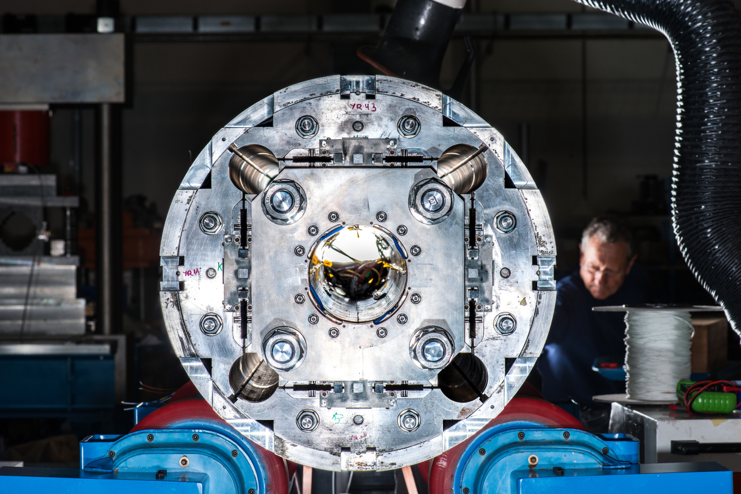 Manufacture of magnets for the High Luminosity LHC