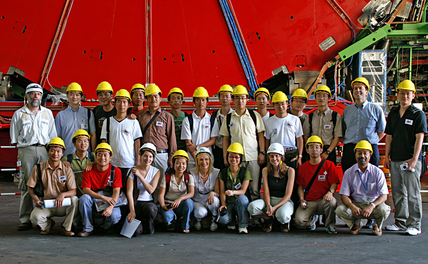 Twenty of China's best physics PhD students visited CERN