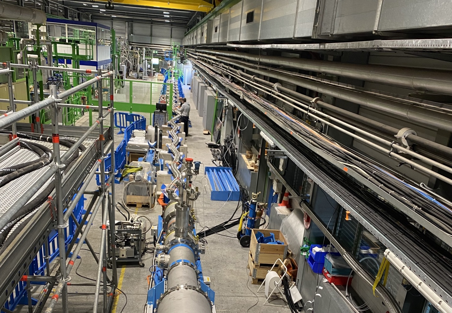 Superconducting link prototype for the High-Luminosity LHC in SM18