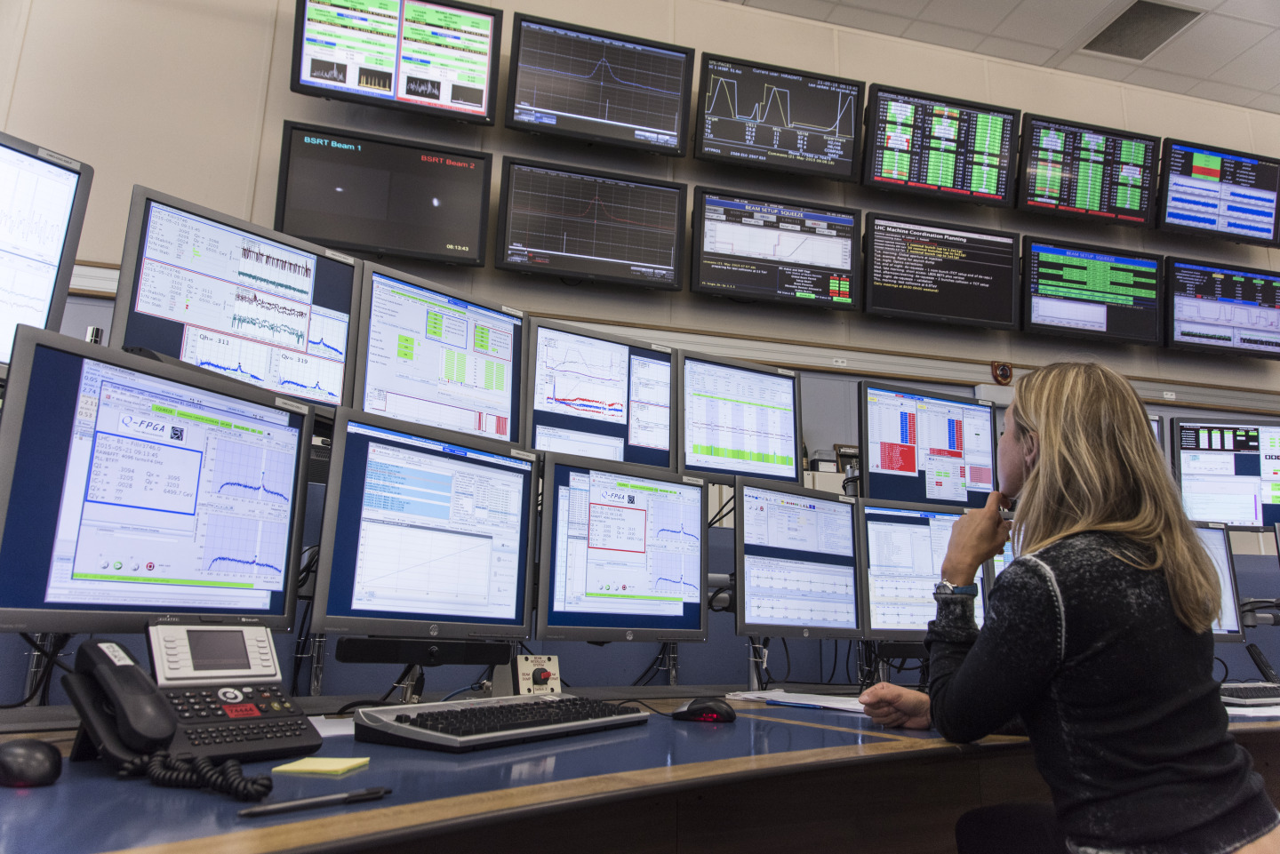 CERN Control Centre (CCC) - Collision tests at record-breaking energy of 13 TeV
