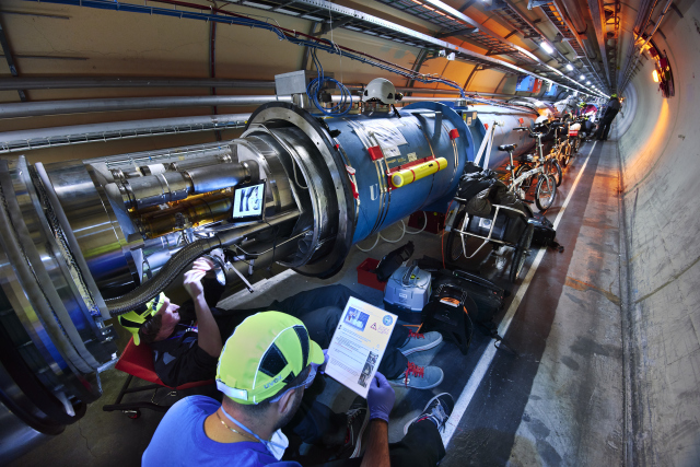 LHC DIODEs - First Installation