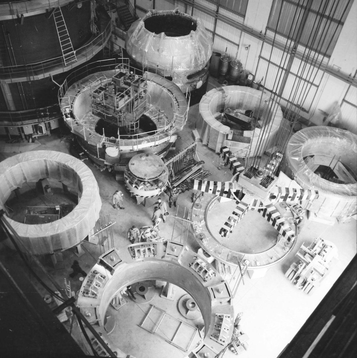 BEBC Big European Bubble Chamber - CERN Document Server